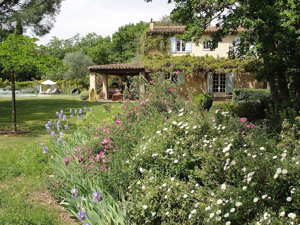 garden-in-spring