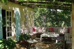 entertaining-terrace